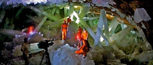 Călătorește în Peștera Cristalelor Uriașe din Mexic. Video