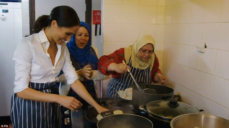 Meghan gateste pentru Grenfell: Ducesa face călătorii secrete pentru a ajuta voluntarii sa faca acte de caritate