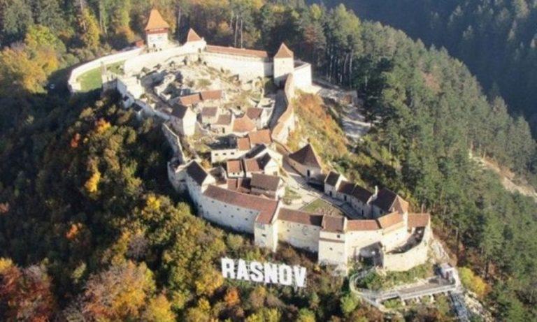 Cetatea Râșnov, un loc de poveste care aduce anual mii de vizitatori!!!