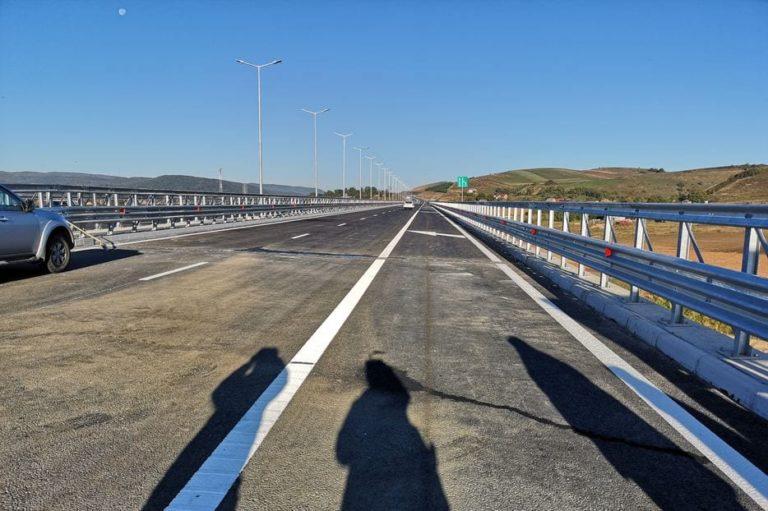 """""""Succesuri"""" de toamnă: Aproape 10 (ZECE) KILOMETRI din Autostrada Transilvania, DESCHIŞI traficului rutier, pe sectorul Gilău – Nădăşelu"""