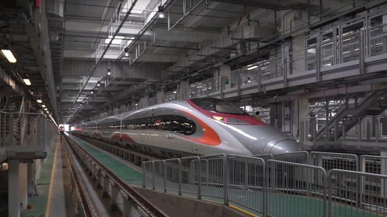 Cum arată primele trenuri de mare viteză care ajung în Hong Kong și de ce sunt atât de controversate