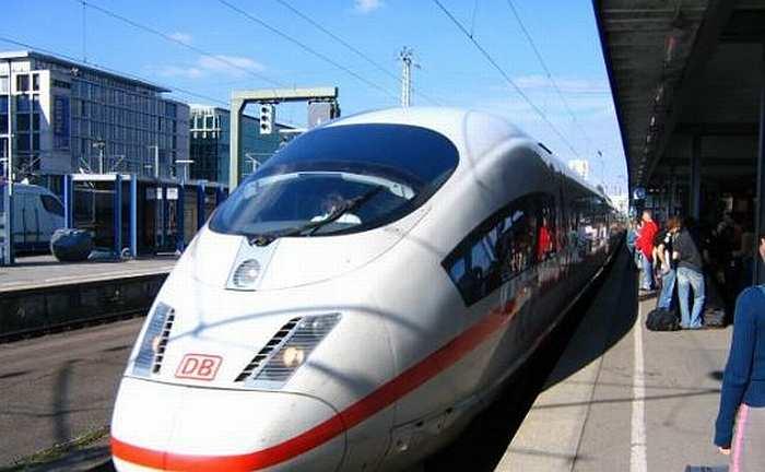 Nemții, au scos pe șine primele trenuri din lume care folosesc drept combustibil apa