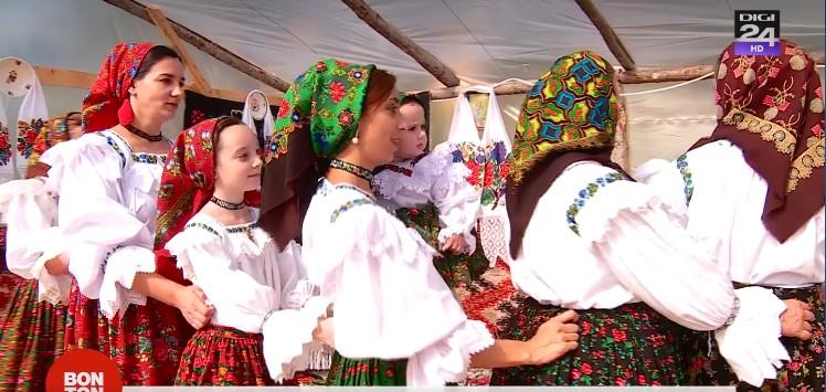 Nuntă tradiţională pe dealurile Maramureşului ! Povestea unei tradiţii reînviate pe plai moroşenesc!