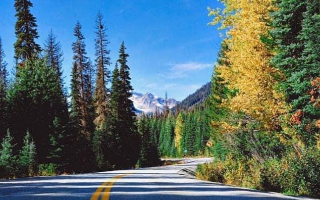 Drumul de vis care leagă muntele de mare. Şoseaua canadiană inclusă în topul celor mai bune călătorii cu maşina