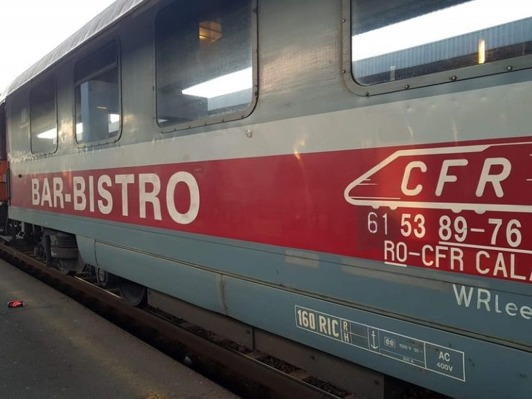 Vagonul restaurant – Istorie cu romantism, prezent chinuit – CFR folosește zilnic doar trei restaurante pe roți, în Europa se poate mânca pe cinste în tren