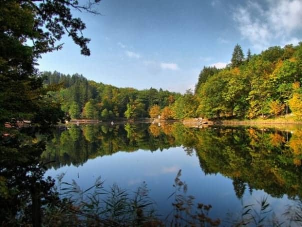 Singurul lac care detine 3 recorduri mondiale se afla in Romania!!! Tu stii despre ce lac este vorba ?!