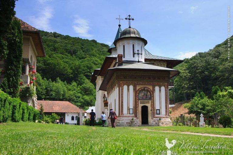 Mănăstirea Turnu, un loc plin de credinta care aproape a ars din temelii!!