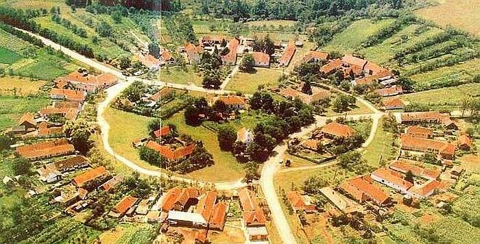 Satul perfect rotund ascuns intre dealuri!! Bijuteria din Romania de care foarte putina lume stie!!