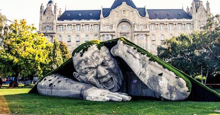Aceste sculpturi au uimit o lume intreaga cu frumusetea lor!!!