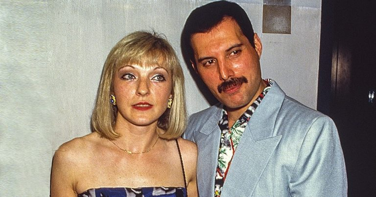Povestea singurei femei pe care Freddie Mercury a iubit-o pentru întreaga sa viață